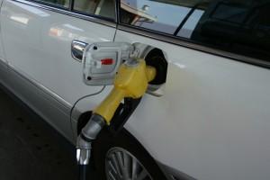 ガソリンスタンド給油