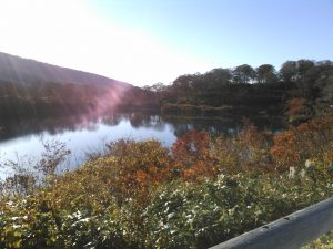 須川湖 紅葉