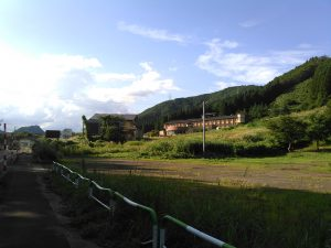 秋の宮山荘 国道108号線