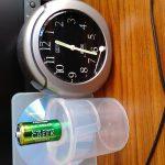 キングパワークリークを置き時計に入れて何年もった?東芝マンガン乾電池単2は液漏れなし?
